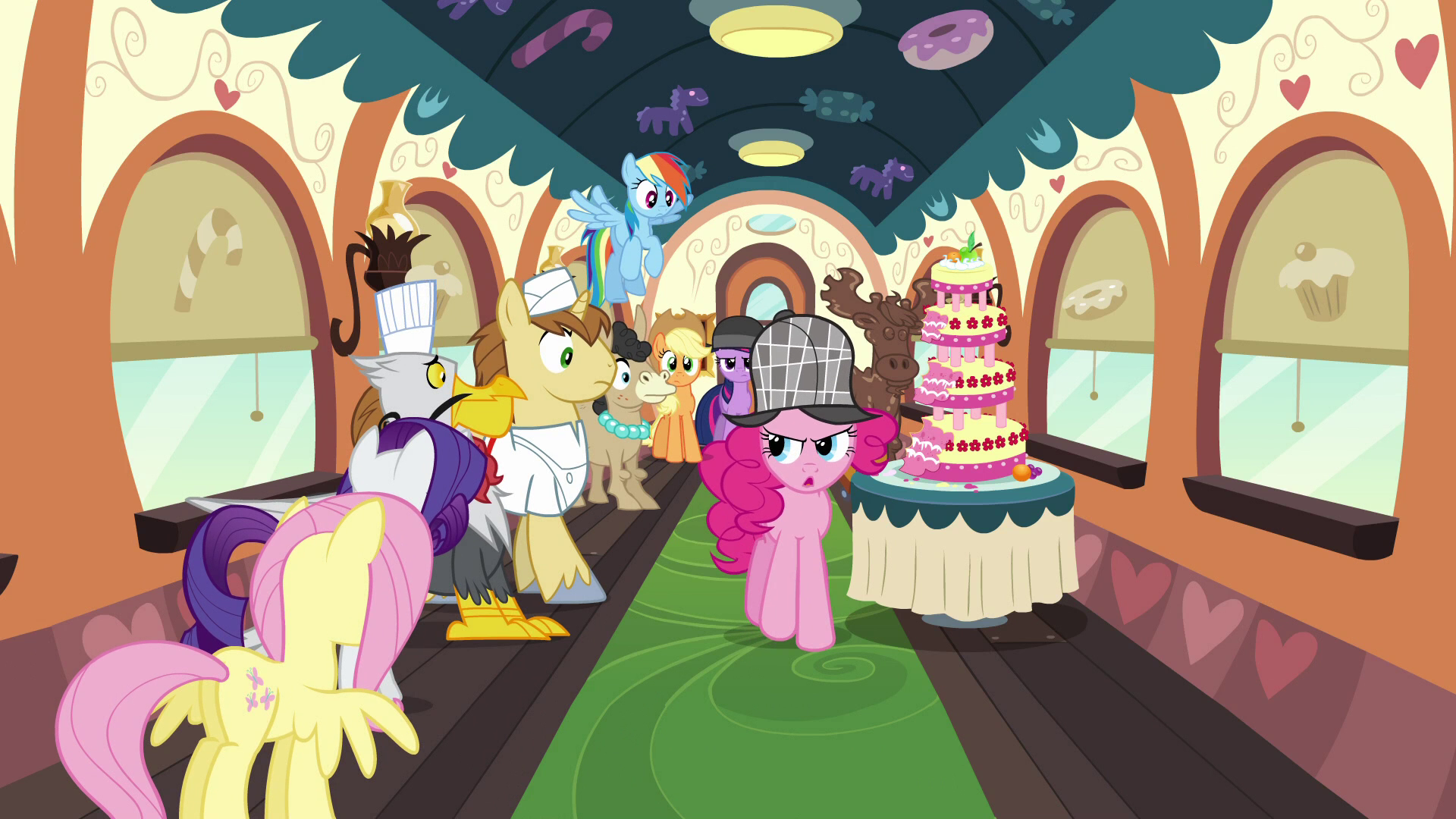 Pinkie_with_the_line_of_passengers_S2E24