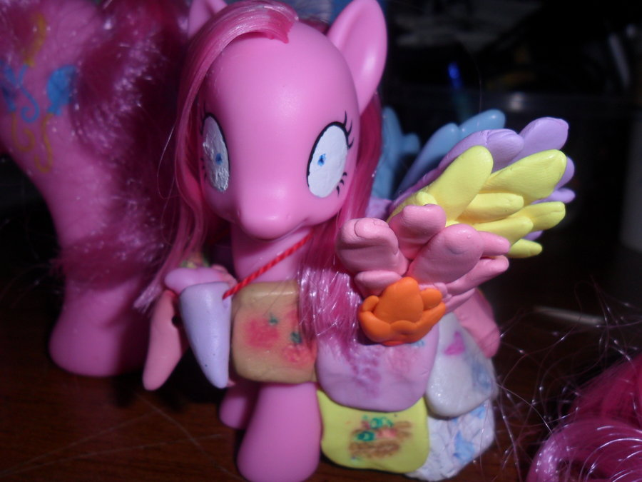 pinkimania_diane_pie_toy_by_mylittlederp