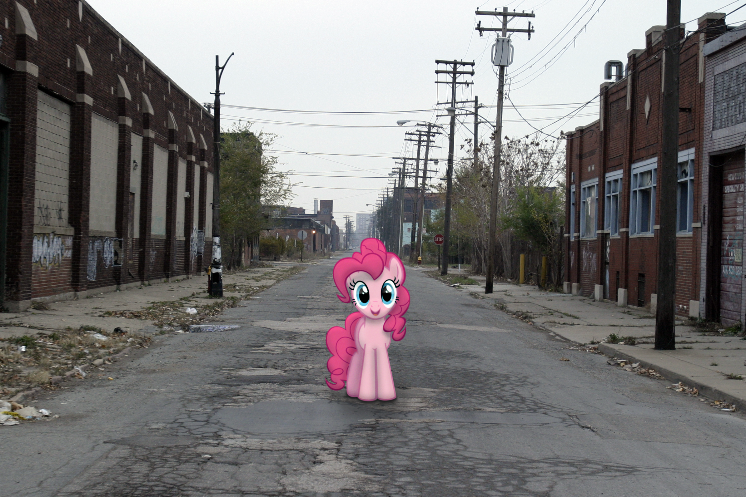 Pinkie%20on%20the%20street.png