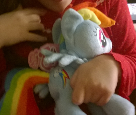 sig-4392475.Niece_With_Dashie_1.png